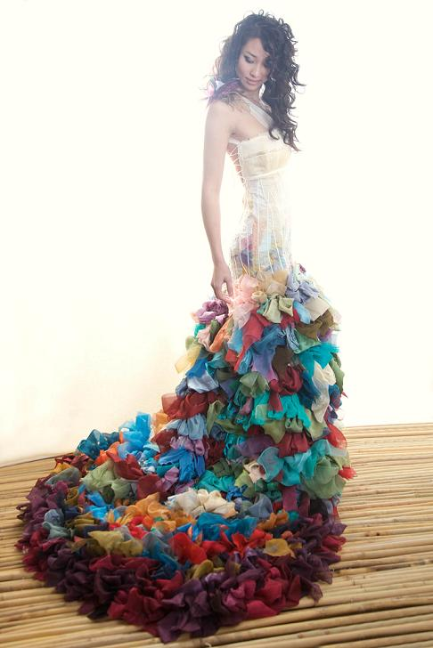 Colored wedding dresses ready to make a powerful fashion for Different colored wedding dresses