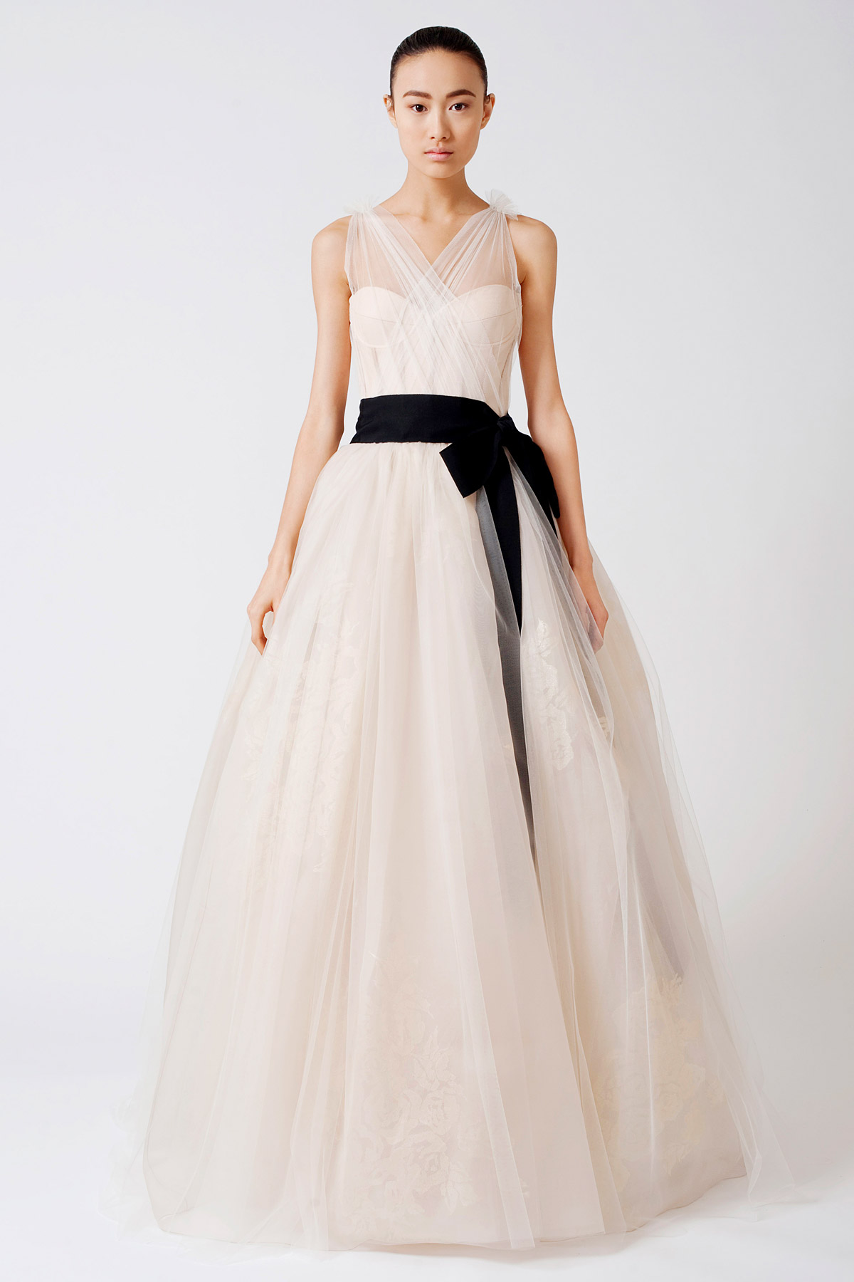 A simple guide for different wedding dress styles the natural waistline is the line that joins the bodice and the skirt of this vera wang wedding dress with a black ribbon belt this line falls above the ombrellifo Images