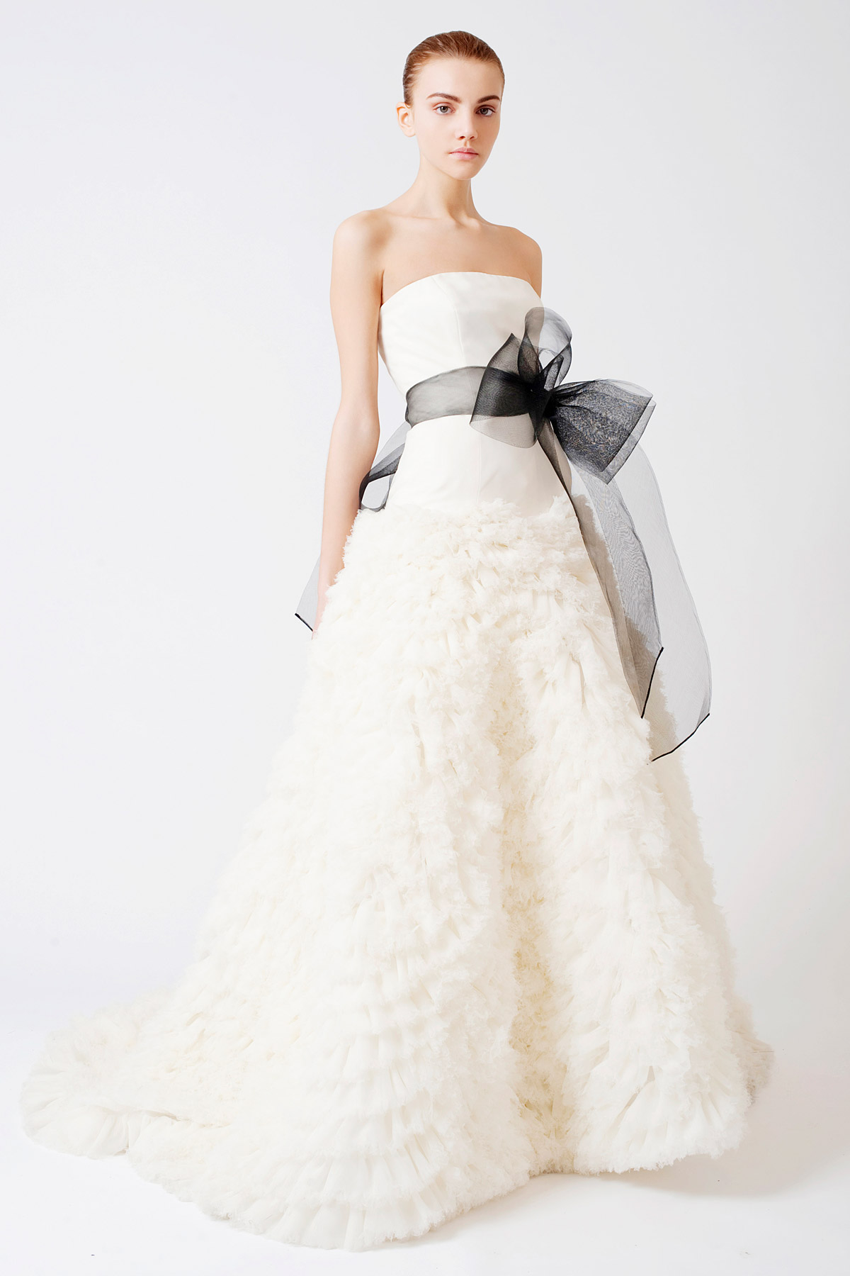 A simple guide for different wedding dress styles for Wedding dress styles guide